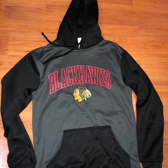 premium selection 5780c 5c077 A Chicago Blackhawks Pullover Hoodie.